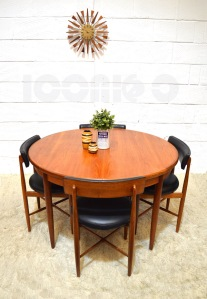 __G Plan fresco round extending dining table and 4 chairs