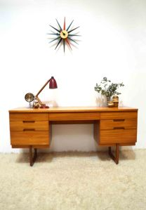 _uniflex dressing table 06_16